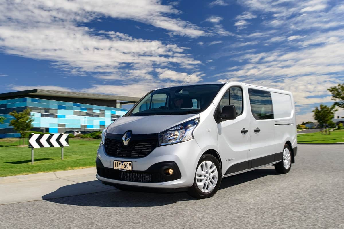 renault trafic crew electrical connection. Black Bedroom Furniture Sets. Home Design Ideas